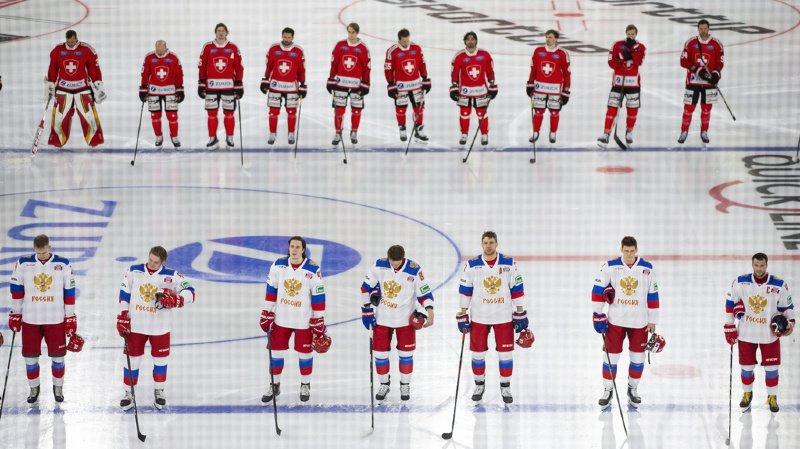 Hockey: la Suisse se joue à nouveau des Russes