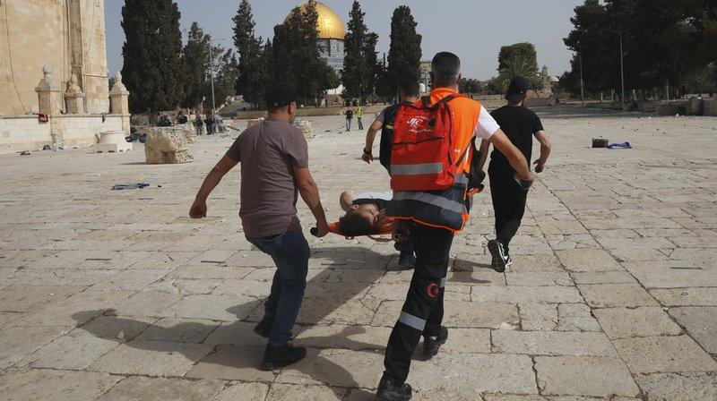 Jérusalem: des «centaines de blessés» dans les heurts sur l'esplanade des Mosquées