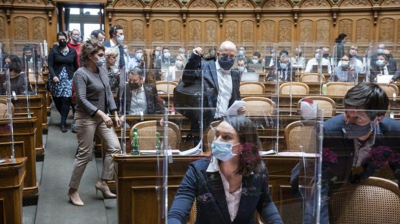 Droits humains: les parlementaires dénoncent la surveillance chinoise sur sol suisse