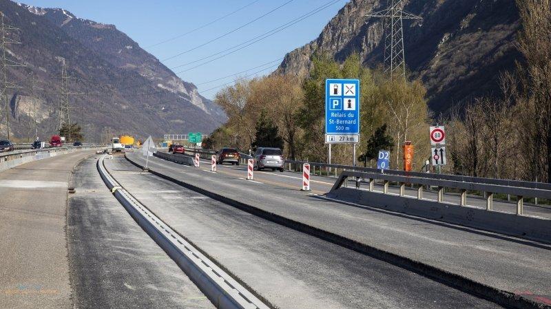 La première fermeture aura lieu la nuit du 18 au 19 avril 2021. Durant celle du 21 au 22 avril 2021, c'est l'accès au Relais du Saint-Bernard en provenance de Lausanne et la sortie du Relais du Saint-Bernard en direction de Martigny qui seront bloqués.