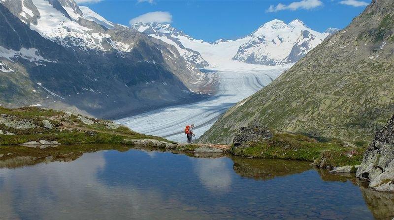 Depuis le Tällisee, devant le glacier d'Aletsch, la vue est spectaculaire.