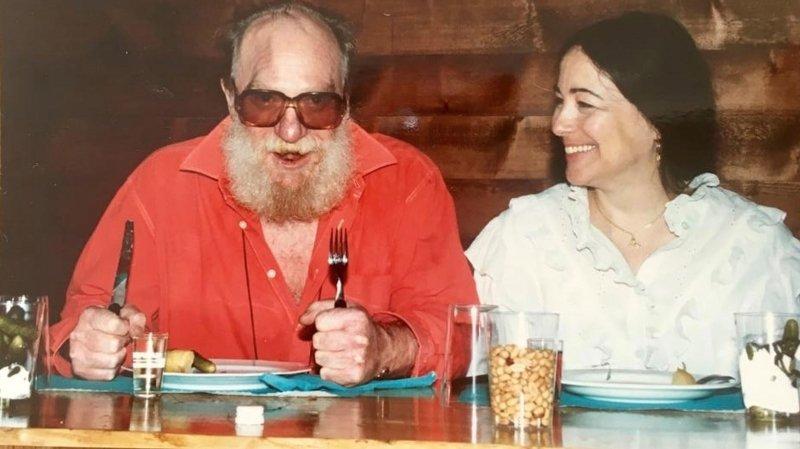 Après le buzz, le chansonnier valaisan Bernard Montangero dans les yeux de son épouse Chantal
