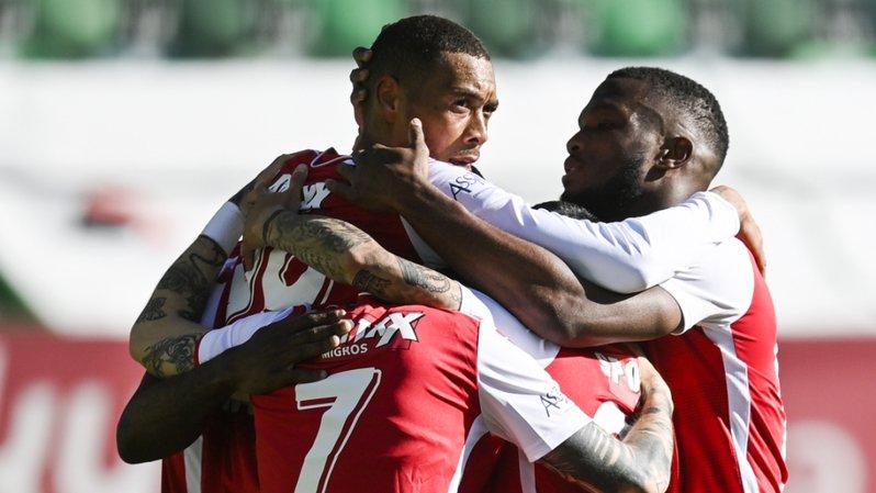 Football: Hoarau permet à Sion d'y croire encore, Lausanne arrache un point et Servette déçoit