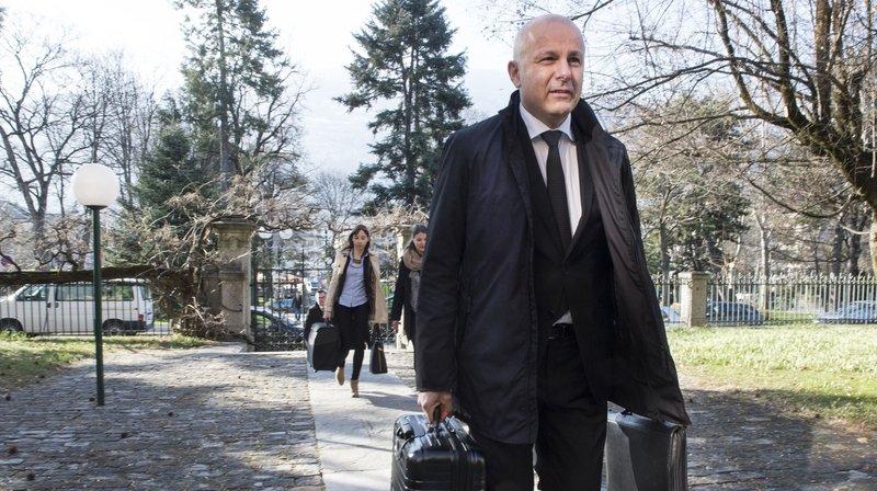 L'avocat Stéphane Riand et le député UDC Jérôme Desmeules ont déposé un recours contre l'élection à huis clos du procureur général Nicolas Dubuis.