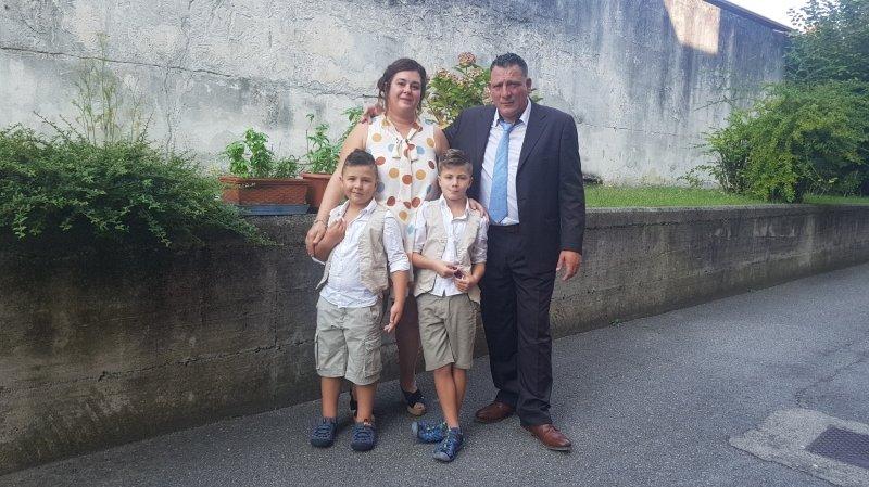 Une des onze familles de l'exposition: Daniela Signorino Gelo, Giampaolo Marchioro et leurs enfants, qui habitent à Riddes.