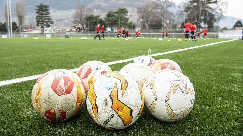 Football: des clubs valaisans font pression sur le Conseil fédéral pour reprendre la compétition