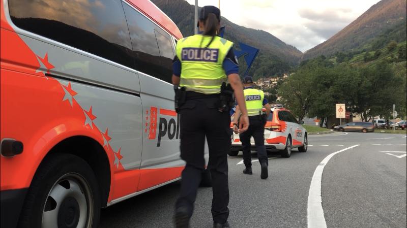 Téléphone au volant: près de 500 amendes en Valais en 20 jours