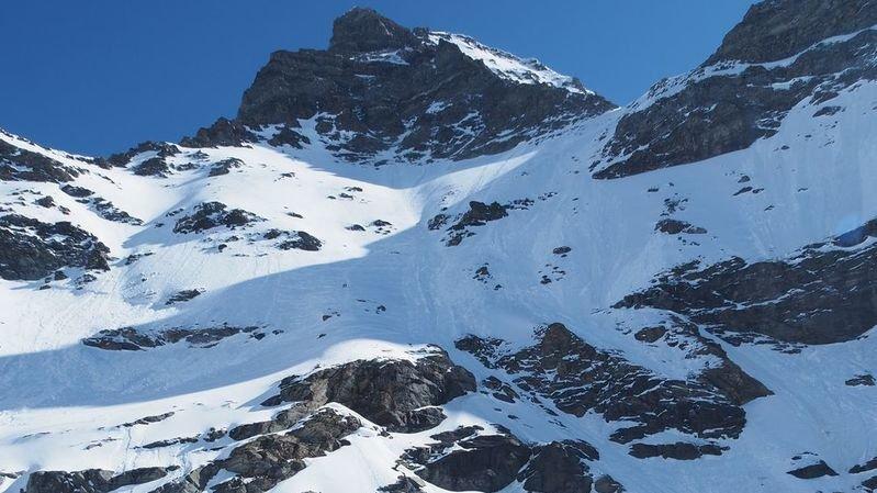 A une altitude d'environ 3390 mètres, l'alpiniste a glissé et fait une chute de 300 mètres.