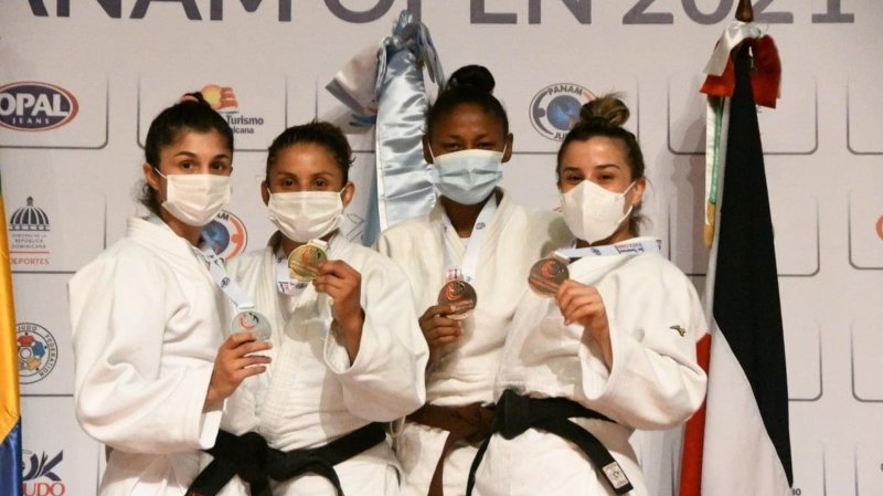 Priscilla Morand (à gauche) a encore fait un pas en direction des Jeux olympiques de Tokyo.