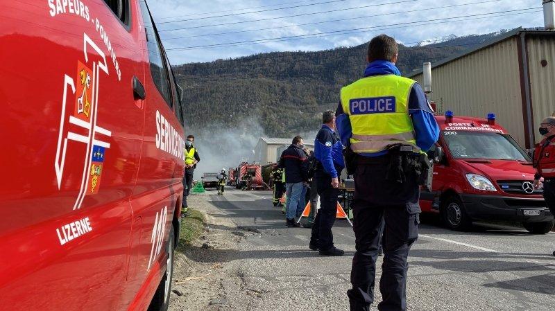 Incendie dans une entreprise de recyclage à Vétroz: le feu est maîtrisé