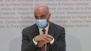 """Coronavirus: la Confédération lorgne sur des médicaments """"prometteurs"""""""