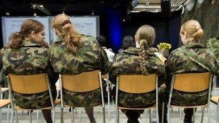 Armée: de nouveaux équipements adaptés aux besoins des femmes