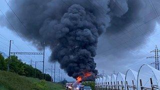 Ardon: un incendie dans un hangar agricole nécessite l'engagement d'une soixantaine de pompiers