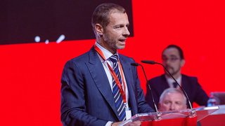 """Football: 12 grands clubs européens lancent leur «Super League», l'UEFA fustige """"l'avidité"""" des frondeurs"""