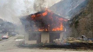 Haut-Valais : incendie dans une maison d'habitation