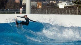 Le Valais, terrain de jeu de deux stars du surf et du freeride
