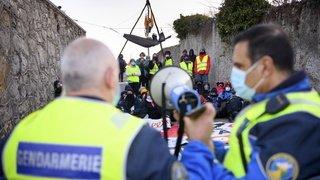 Les activistes de la ZAD du Mormont évacués par la police