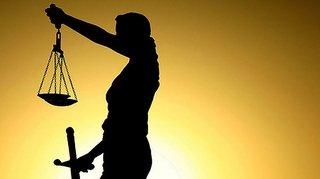 Valais: loto, harcèlement, Facebook et machette en justice
