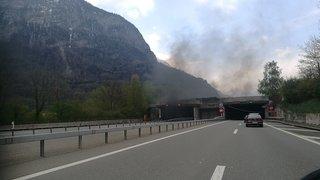 Galeries de St-Maurice: un véhicule en feu perturbe le trafic