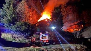 Saint-Jean: l'incendie qui a détruit un chalet lundi a failli se propager à la forêt