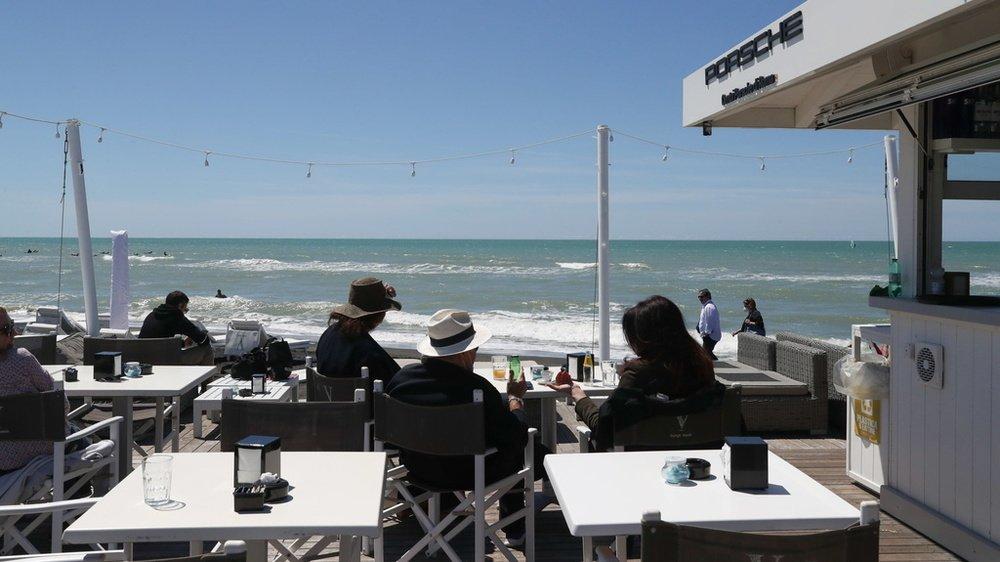 Les Suisses qui comptent rejoindre les plages italiennes ne devront pas oublier de remplir un formulaire en ligne avant leur départ.