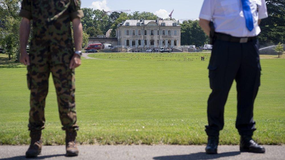 La villa La Granges à Genève,  où auront lieu les rencontres. Russes et Américains seront  entre 600 et 800 personnes;  il y aura 3000 journalistes.  4000 policiers et militaires  sont mobilisés pour assurer  leur sécurité.