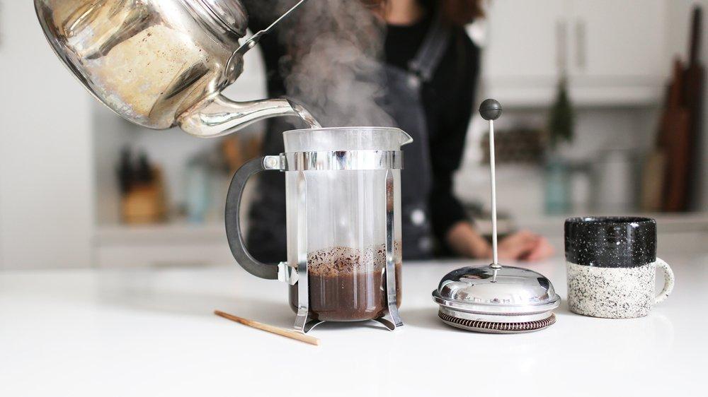 De bons gestes permettent de rendre la préparation du café plus écologique.