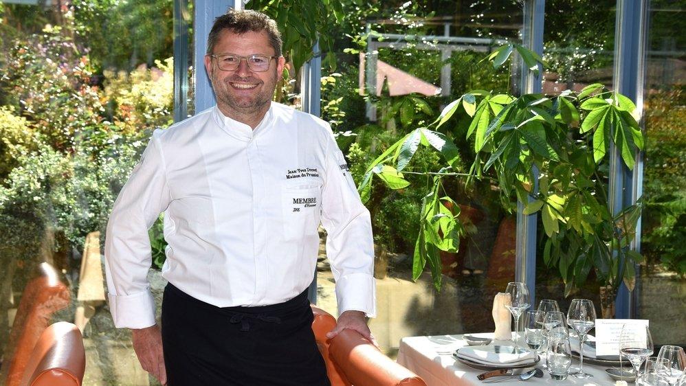 Jean-Yves Drevet vous accueille dans un écrin de verdure à la Maison du Prussien, à Neuchâtel, depuis 2006.