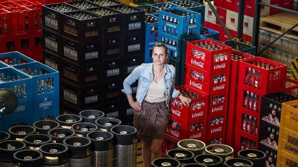 Marie Pfyffer a rejoint la direction de l'entreprise familiale Kouski Boissons SA en 2015. ©Sacha Bittel/Le Nouvelliste