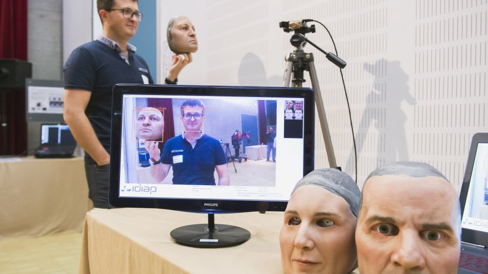 Depuis sa création en 1991, l'Idiap est devenu un des spécialistes mondiaux de l'intelligence artificielle via notamment la reconnaissance vocale et visuelle, les interactions homme-machine ou encore l'analyse du langage.