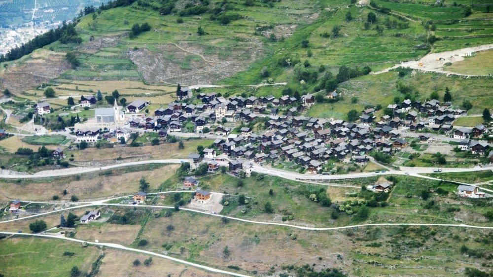 L'assemblée primaire de Mont-Noble s'est tenue à Mase, le mercredi 16 juin. On y a beaucoup parlé fusion de communes.