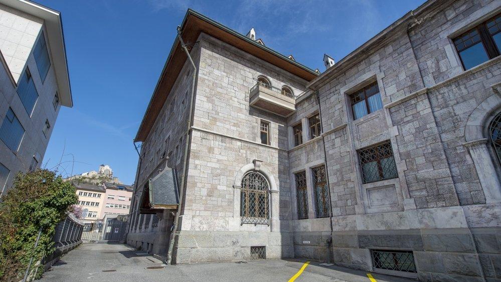 Le Ministère public valaisan, ici à la rue des Vergers à Sion, a prononcé l'an dernier 600 condamnations liées à des infractions commises dans le cadre de la pandémie Covid-19.