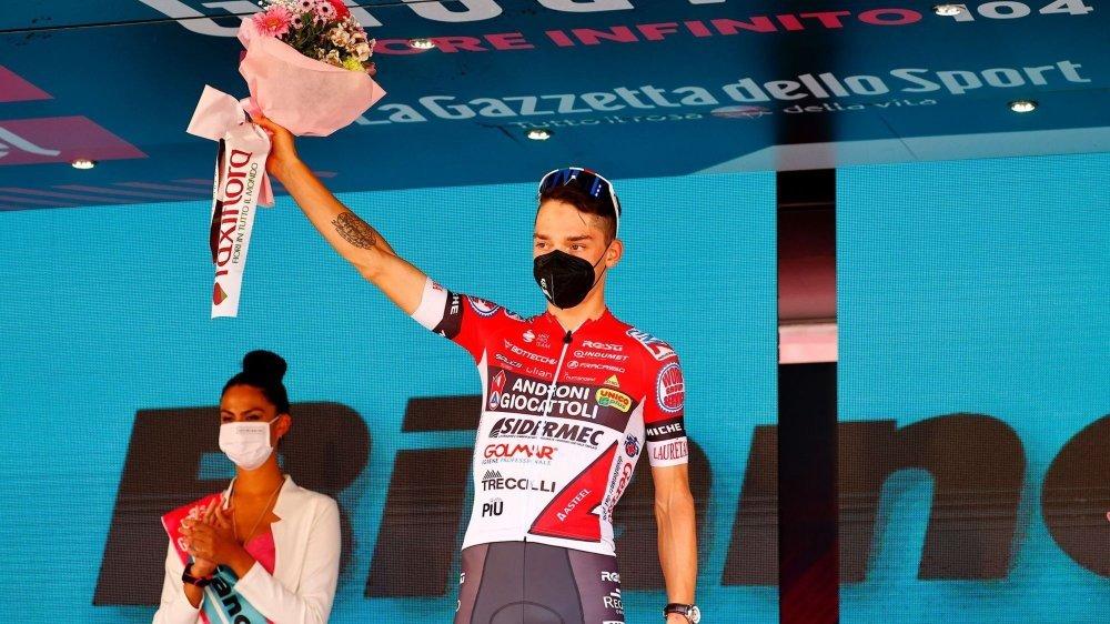 Simon Pellaud est monté pour la deuxième fois en deux ans sur le podium final du Giro.