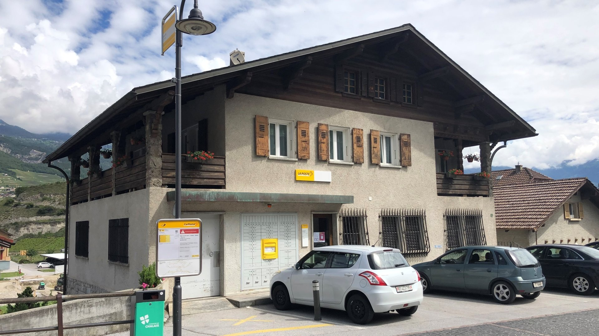 Le bureau postal du vieux village de Chalais ne fermera pas ses portes.
