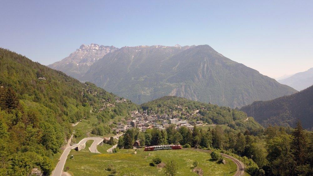 Depuis Salvan, un sens unique sera instauré pour monter en voiture aux Marécottes, la descente se fera par le village des Granges.