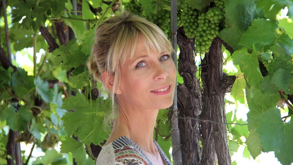 Natalie Sbaï se réjouit de découvrir davantage le monde viticole valaisan.