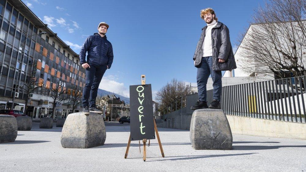 Nicolas Fontaine, du Stamm, et Alexandre Ghandour, de big bang, espace d'explosition, seront bientôt voisins. Leurs institutions témoignent de la richesse culturelle et artistique de la ville de Sierre.