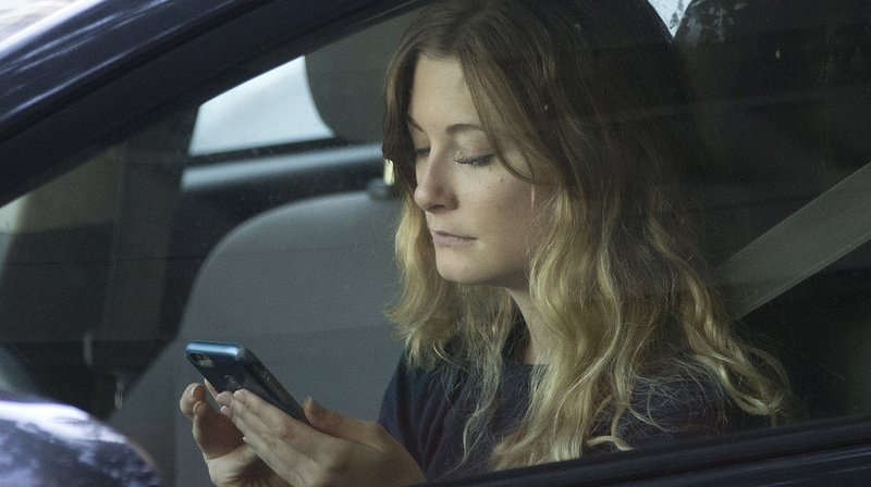 Prévention: campagne contre le smartphone au volant ciblée sur les jeunes