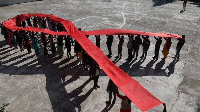 Santé: les nouvelles infections du VIH ont reculé de 30% en dix ans