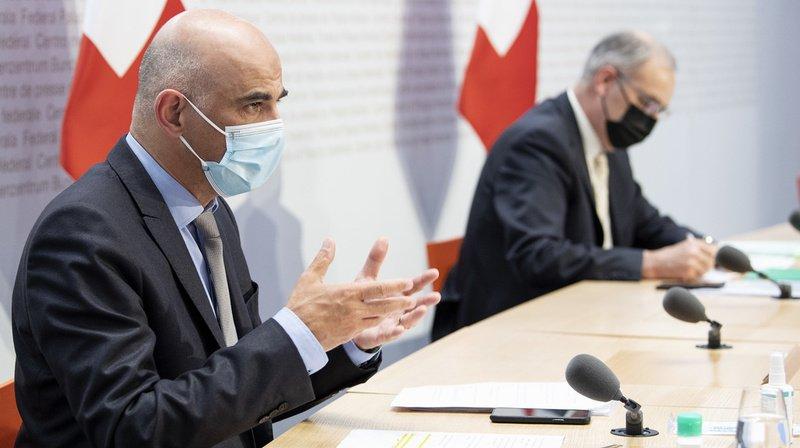 Coronavirus: fin du masque dans certains lieux, six au resto, les dernières décisions de Berne
