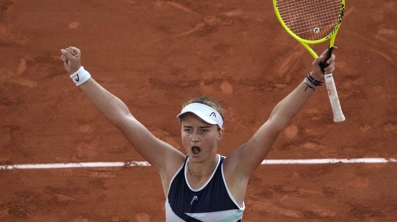 Barbora Krejcikova a dominé Maria Sakkari en demi-finales.