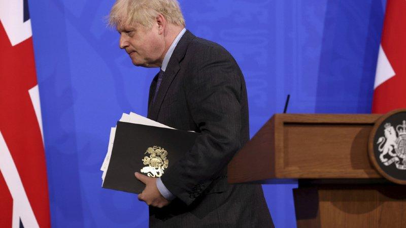 Coronavirus: Boris Johnson met en pause le déconfinement