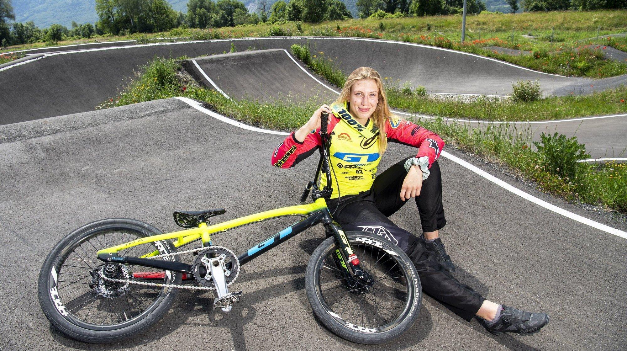 8 étoiles valaisannes: Amaëlle Caloz à la conquête des pistes mondiales de BMX