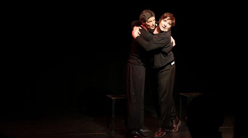 Les conteuses Geneviève Boillat et Christine Métrailler.