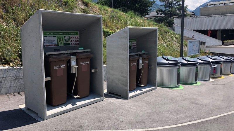 Une quinzaine de containers labellisés GastroVert ont récemment été installés sur les écopoints de la Ville de Sierre.