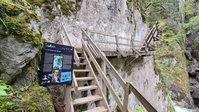 Un parcours didactique imaginé par le CREPA rend la visite des gorges du Durnand encore plus conviviale.