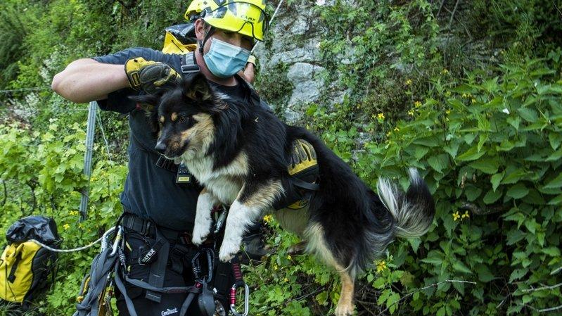 Lukla a pu être sauvé par une section spéciale des pompiers de Sion.