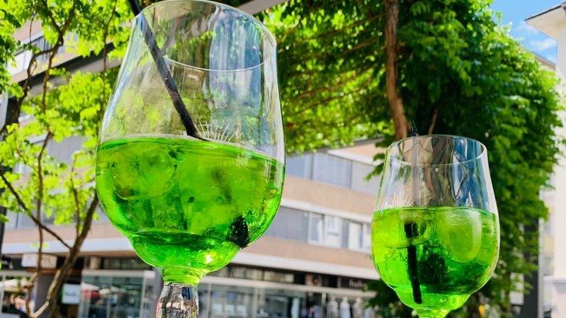 Quatre Valaisans lancent un alcopop à base de vin blanc grâce à un financement participatif