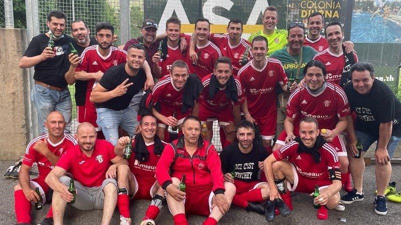 La joie du FC Conthey, tombeur du FC Lugano samedi.