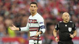 Au coeur de l'Euro: Ronaldo aurait fait perdre des milliards à Coca-Cola